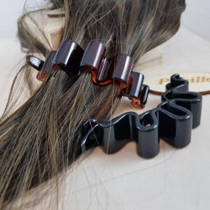 F.capelli plastica banana cm.7,50donna effetto righe nei capellimade in france