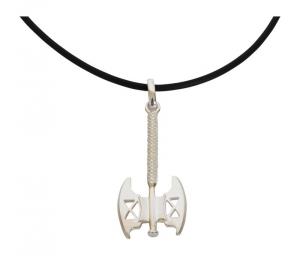 Collana di caucciù con pendaglio in argento forma di ascia gioiello