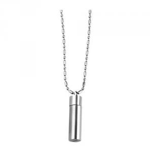 Collana con capsula in acciaio pregiato