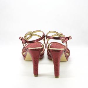 Sandalo donna in colore bordeaux effetto vintage.