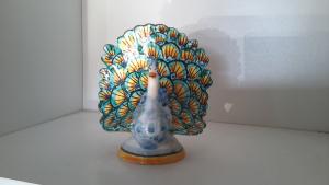 Pavone piccolo in ceramica di caltagirone