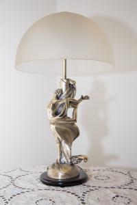 Lampada in argento