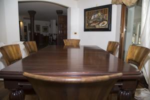 Tavolo allungabile in mogano dell' 800