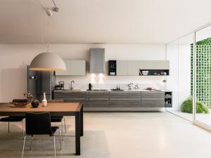 Cucina moderna componibile con maniglia
