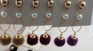 Orecchini alla moda con perla e ciondolo di peluche