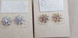 Orecchini alla moda con fiore e pietra in oro e argento