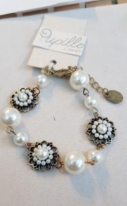 Bracciale alla moda con perle e fiori