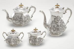 Servizio da tavola caffettiera teiera lattiera e zuccheriera per 8 persone argentato argento sheffield stile cesellato