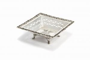 Cestino quadrato argentato argento sheffield stile traforato cm.20x20x7h
