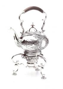 Samovar argentato argento sheffield con manico in legno stile Cesellato cm.26x42h