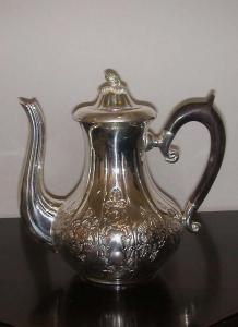 Teiera argentato argento sheffield con manico legno stile cesellato