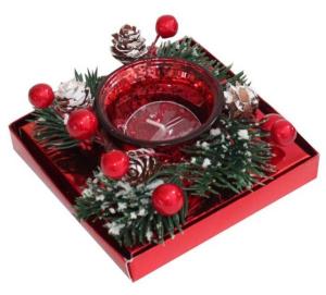 Candela natalizia bicchiere rosso e rametti di pino cm.11,3x11,3x5,2h
