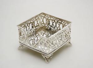 Portasalviette portatovaglioli argentato argento sheffiedl traforato cm.11,5x11,5x8h