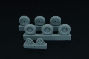 Spitfire 4 spoke wheels set (3 types of tires)