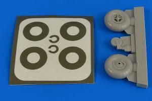 Bucker Bu-131 wheels & paint masks transverse tread w/o disc cover