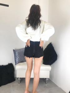 Pantaloncini donna vita alta in jeans nero con cerniera dietro TG XS/S/M/L