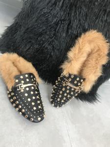 Mocassino tipo Gucci nero con borchie in eco-pelle e pelliccia vera TG 36/37/38