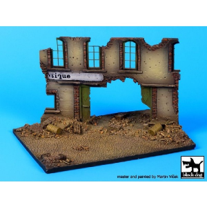STREET WITH HOUSE RUIN BASE