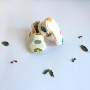 Scarpine neonato fantasia confetti in cotone biologico