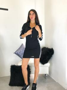 Mini Abito donna sportivo in maglina elasticizzata con zip frontale cappuccio e danze laterali realizzato in Italia