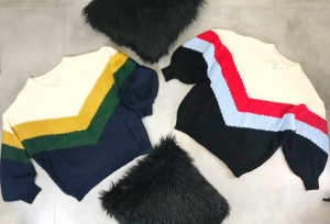 Maxi maglione con scollo V con maniche ampie misto lana tricolore TG unica