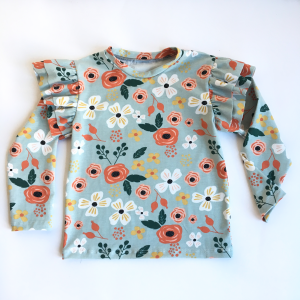 Long-sleeved T-shirt with ruffles and flowers pattern in organic cotton