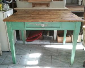 Tavolo vintage verde
