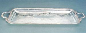 Vassoio rettangolare in Sheffield  con manici inciso stile Regina Anna cm.75x29