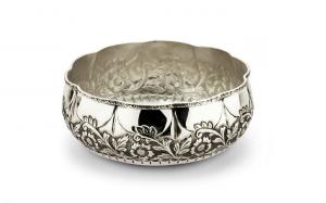 Ciotola tonda argentata argento sheffield stile cesellato cm.diam.22