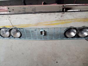 Mascherina Fiat 124 con fanali