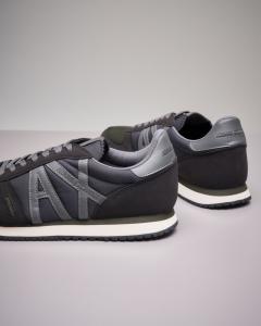 Sneakers nere con logo grigio