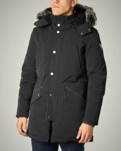 Parka nero con cappuccio e pelliccia