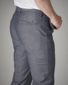 Pantalone blu in fantasia