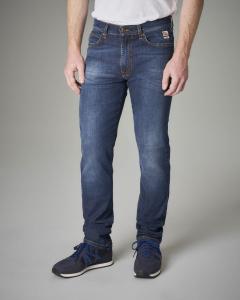 Jeans lavaggio medio vita alta