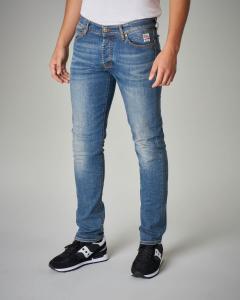 Jeans lavaggio chiaro vita media