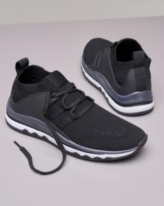 Sneakers nera in maglia leggera
