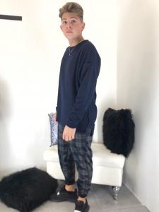 Pantalone uomo in fatasia a quadri o righe blu con elastico in vita tessuto elasticizzato made innanzitutto italy