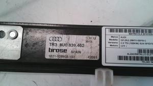 Alzacristallo elettrico porta posteriore destra usato originale Audi Q3 serie dal 2011 al 2015