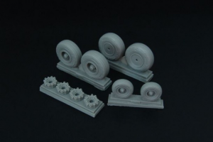 C-130 wheel set (with disc brakes) (Italeri)