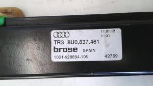 Alzacristallo elettrico porta anteriore sinistra sx usato originale Audi Q3 serie dal 2011 al 2015