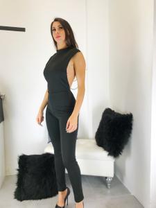 Jumpsuit donna skinny con scollo su schiena e cascata di perle made in Italy TG unica