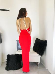 Abito donna lungo elegante con allacciatura al collo e cascata di perle scollato su schiena con spacco laterale made in Italy TG unica