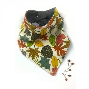 Bavaglino modello bandana fantasia autunno in cotone biologico