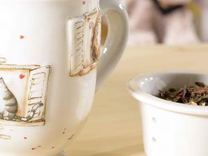 Tazze tisaniera in ceramica con filtro, coperchio e decori con gattini in rilievo(713406)