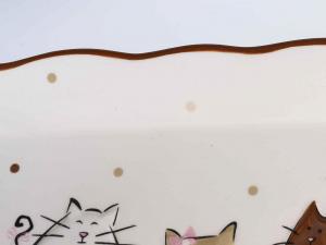Vassoio in ceramica colorata con decorazione di gattini in rilievo (713129)