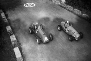 La Ferrari di Ascari e la Simca Gordini Manzon, Gp di Monza, 1951