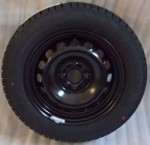 Ruota con pneumatico invernale Pirelli 175/65R14 82T FIAT 500