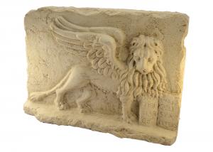 Bassorilievo Leone di San Marco in marmo scolpito a mano artigianato italiano