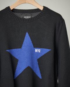 Maglione nero con stella ricamata S-XXL