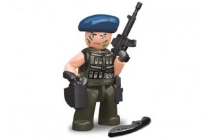 Personaggio Costruzioni Sluban poliziotto con basco blu